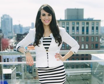 Member Spotlight: Laura Furtado from Sexy and Wealthy in Heels and  @divagirlfitness